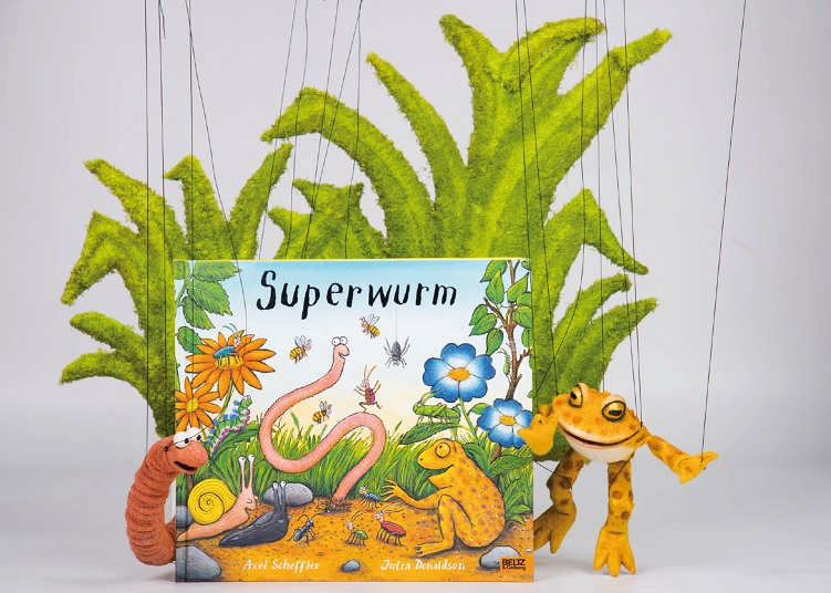 Kindertheater: Superwurm - Copyright Theater Dornerei- https://www.puppentheater-dornerei.de/repertoire/superwurm/